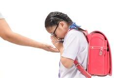 Respecto o sawasdee de la paga del estudiante a su madre fotografía de archivo libre de regalías