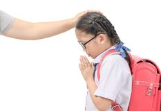 Respecto o sawasdee lindo de la paga de la estudiante a su madre foto de archivo