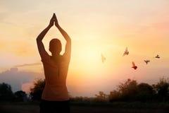 Respeite e rezar no fundo da natureza Fotos de Stock Royalty Free