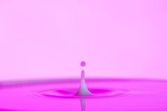 Respingo cor-de-rosa da água Imagem de Stock