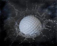 Respingo da esfera de golfe Fotografia de Stock Royalty Free