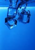 Respingo dos cubos de gelo Imagem de Stock