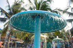Respingo no parque da água, foto do borrão fotos de stock