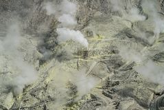 Respiradouros ativos do enxofre de Owakudani no vulcão de Fuji, Japão imagem de stock royalty free