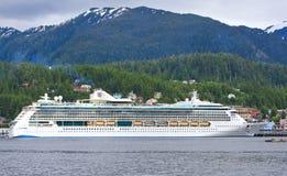 Resplandor de Alaska del barco de cruceros Ketchikan de los mares Imagenes de archivo