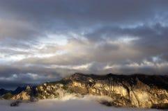 Resplandor de la montaña de la mañana Fotografía de archivo