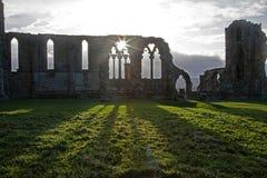Resplandor solar de la abadía de Whitby Imágenes de archivo libres de regalías