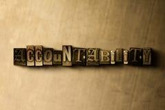 RESPONSABILITÉ - plan rapproché de mot composé par vintage sale sur le contexte en métal illustration de vecteur