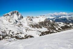 Resrot лыжи в Альпах Стоковое Фото