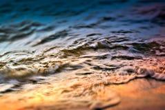 Ressac dans le temps de coucher du soleil Images libres de droits