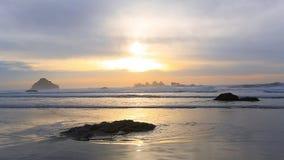 Ressac sur la Côte Pacifique banque de vidéos