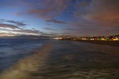 Ressaca do crepúsculo da praia de Veneza Imagem de Stock