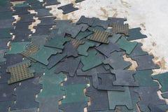 Ressembler en caoutchouc non fini de plancher au puzzle Photos stock