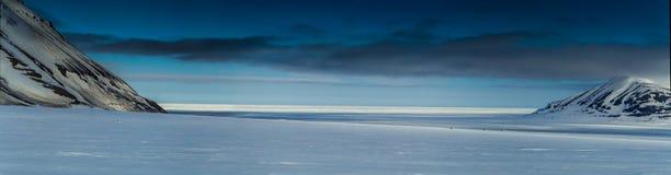Ressort arctique dans le Spitzberg du sud Images stock