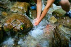 Ressort d'eau pur de montagne Photos libres de droits