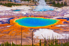 Ressort prismatique grand en parc national de Yellowstone Photographie stock libre de droits