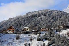 Ressource de neige de rue Anton, Autriche photographie stock libre de droits