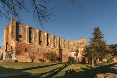 Rest av den Cistercian abbotskloster av San Galgano, Italien Arkivfoton
