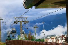 Rest in den Bergen 1. September von 2017 Russland Sochi rosa Stockfotografie
