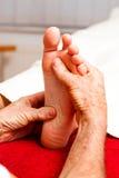 Rest und Entspannung durch Massage Stockbilder