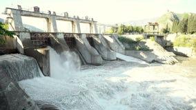 Restauração da água na central eléctrica hydroelectric vídeos de arquivo