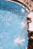 Restauración de la cascada de la piscina del Golfo de México de la playa de ciudad de Panamá imagen de archivo libre de regalías