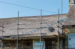 Restauración decorativa del tejado de pizarra en País de Gales Imagen de archivo
