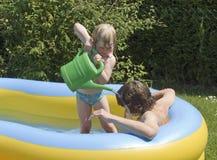Restauración en la piscina Imágenes de archivo libres de regalías