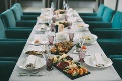 Restauracja Chłodzi Out Z klasą stylu życia Zarezewowanego pojęcie obraz royalty free