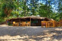 Restauracja, drzewa, Phra Ae plaża, Ko Lanta, Tajlandia Fotografia Stock