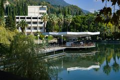 Restauracja na wodzie Nowy Afon Abkhazia Gruzja zdjęcia stock