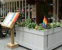Restauracja w Manhattan wita klientów 43rd roczna dumy parada w Nowy Jork Zdjęcia Royalty Free