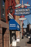 Restaurang för Morrison ` s, i stadens centrum Kingston Arkivbild