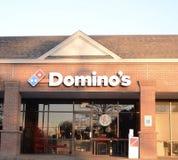 Restaurang för pizza för dominobricka` s i en remsagalleria arkivbilder