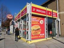 Restaurang för z-hamburgaresnabbmat i Tenleytown royaltyfria foton