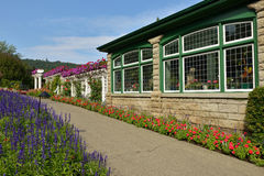 Restaurang i Butchart trädgårdar Arkivbild