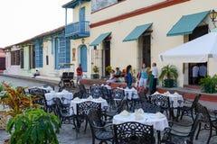 Restaurang i koloniala hus av Camaguey, Kuba Royaltyfria Foton