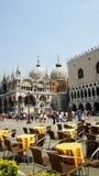 Restaurang i St. Marco Square, Venedig, Italien Royaltyfri Bild