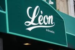 Restaurang Léon i Paris royaltyfri fotografi