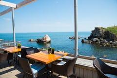 Restaurang på havskusten Arkivbild