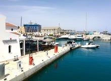 Restaurang på marina Limassol arkivbilder