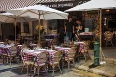Restaurang på Rue Pairoliere i Nice, Frankrike fotografering för bildbyråer
