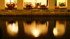 Restaurang på vattnet royaltyfri bild
