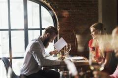 Restaurang som ut kyler reserverat begrepp för flott livsstil arkivfoto