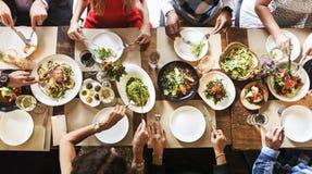 Restaurang som ut kyler reserverat begrepp för flott livsstil royaltyfria foton