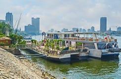 Restaurangen på vattnet Royaltyfri Bild
