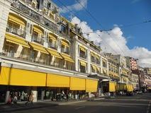Restauranger och shoppar i Schweiz Arkivfoton