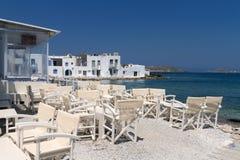 Restaurangkrogar i den grekiska ön Royaltyfri Bild