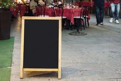 Restaurangmenysvart tavla Arkivfoton