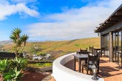 Restaurangterrass på den Mirador de Los Valles synvinkeln Royaltyfri Bild